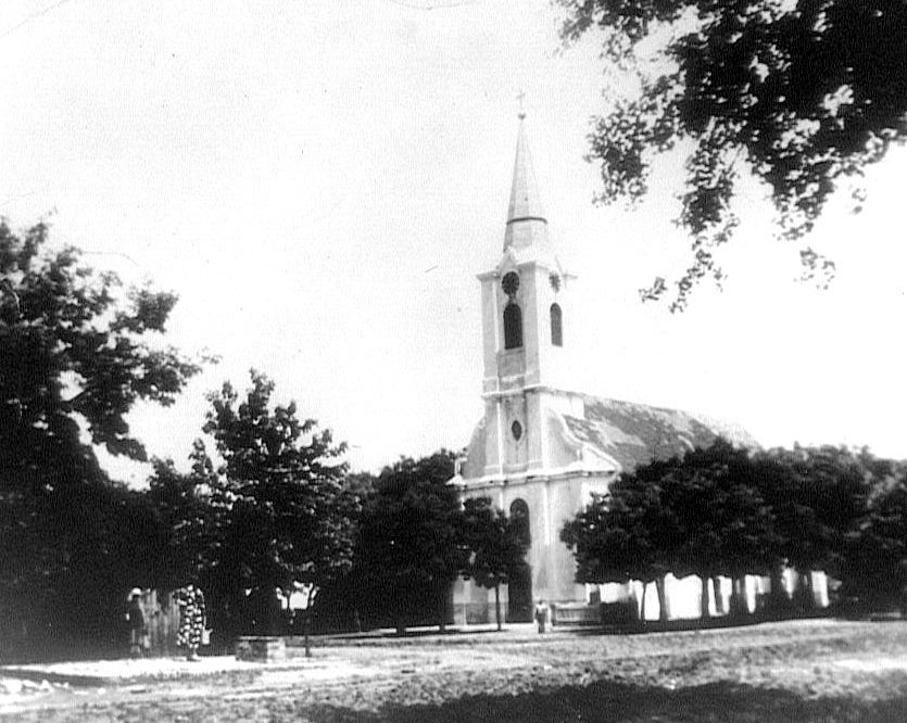 Molidorf Catholic Church St. Heinrich - built 1925 - destroyed 1945<br> Click to enlarge